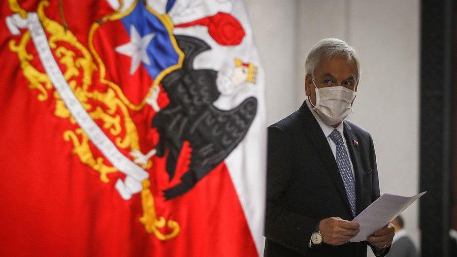 La Monarquía de Piñera: Mandatario ordenó la implementación de plan «Fondéate en tu casa», sin consultar al Ministerio de Salud