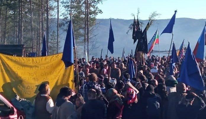 """CAM: """"la única vía posible para la liberación nacional mapuche es el weychan y la confrontación directa contra las expresiones del capitalismo en el Wallmapu"""""""